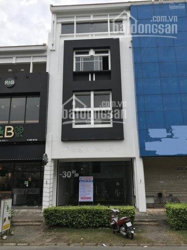 Cho thuê nhà phố Mỹ Hoàng mặt tiền Nguyễn Văn Linh, thích hợp làm văn phòng hoặc showroom