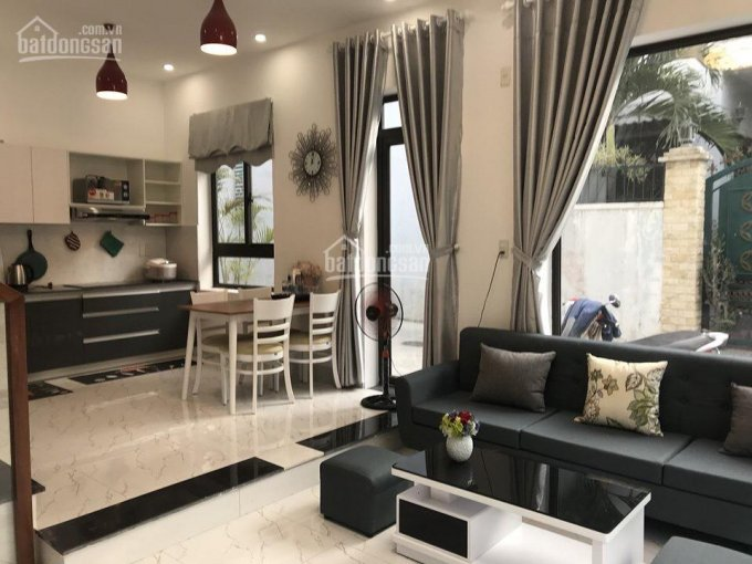 Nhà hiện đại, 4 phòng ngủ, gần sân bay Đà Nẵng - B319