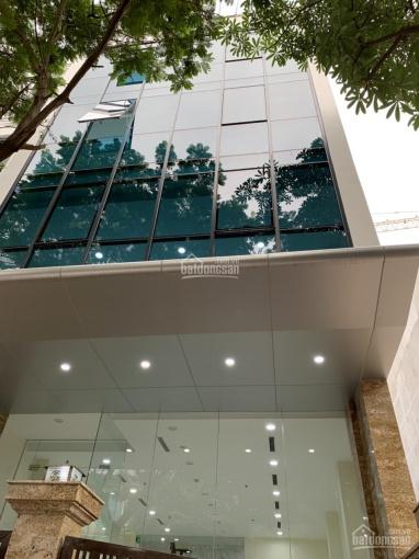 Cho thuê nhà 6 tầng * 110m2, mặt phố Trung Hoà mặt tiền 6m, thang máy, nhà mới, giá 80 tr/tháng
