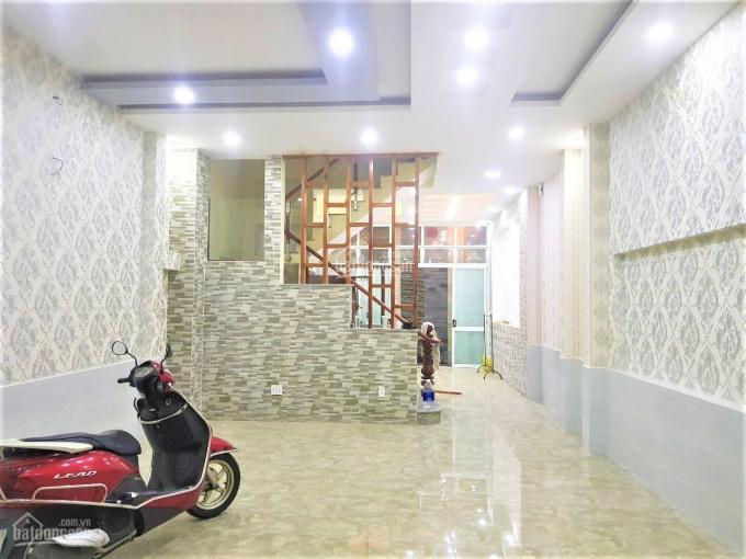 Mặt tiền Đỗ Công Tường, DT 5.2x16.5m, 2 lầu + sân thượng. Giá 22tr/th