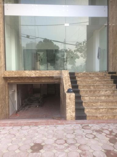 Bán tòa nhà 8T làm VP, KD mặt phố Nguyễn Xiển, Khuất Duy Tiến. Đang cho thuê 100tr/th