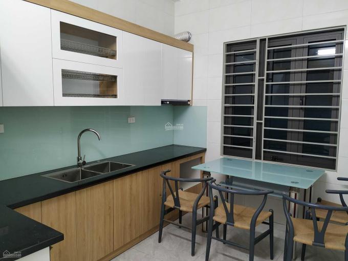 Cho thuê nhà số 7 hẻm 81/23 ngõ Hòa Bình 7, đường Minh Khai. Liên hệ: 0982 190 864