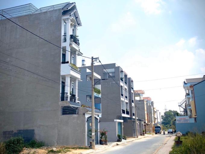 Bán nhà kiểu biệt thự ngay trung tâm quận P.Linh Trung, đường Lê Văn Chí, tặng toàn bộ nội thất