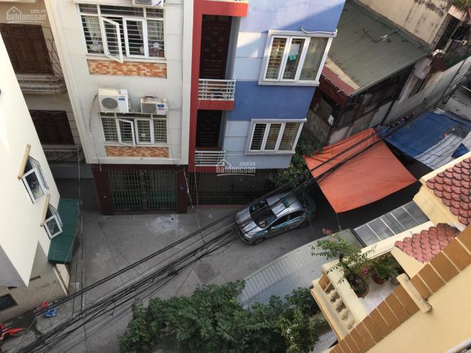 Cho thuê nhà ngõ 651 Minh Khai, đầu Lạc Trung, DT: 80m2, XD: 55m2x 4,5 tầng, 15tr