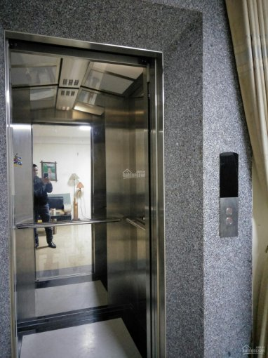 Chính chủ bán nhà 5.7 tỷ mặt ngõ 19 Lạc Trung 42m2x6T thang máy, MT 6m ô tô vào, KD tốt