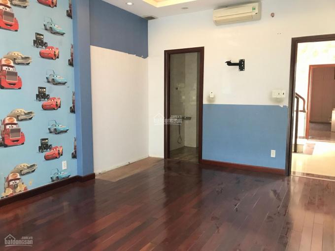 Cho thuê phòng dịch vụ ngay trung tâm quận 3, nội thất cơ bản, đẹp, sạch sẽ, LH: 0919024563 (Phát)