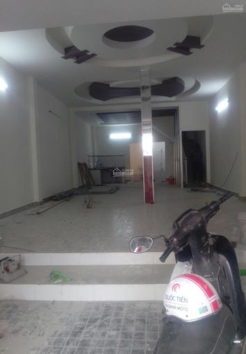 Nhà mới xây, MT Tân Quý, Q. Tân Phú, DT: 6x18m, 2 tầng, giá chỉ 17tr/th. LH: 0903138144