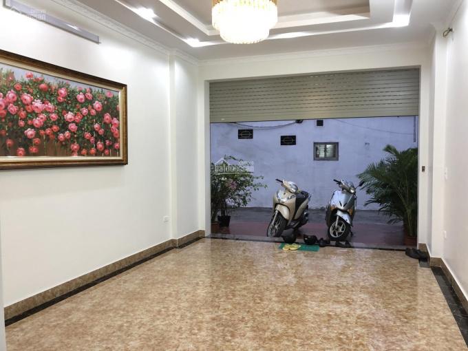 Chính chủ bán nhà phân lô Trần Khát Chân - Đầm Trấu, ô tô vào nhà, hố thang máy chờ, 72m2, 6,8 tỷ