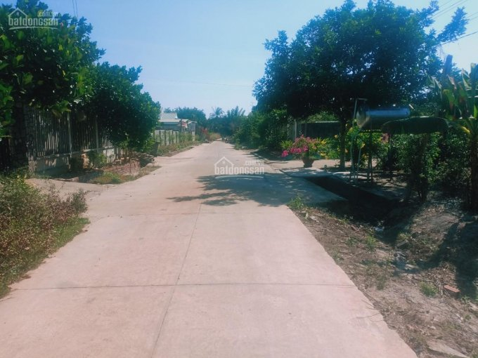 Đất Bình Phước giá rẻ sổ sẵn chính chủ giá 2,8tr/m2, DT: 5x35m tại KP2 TT thị trấn