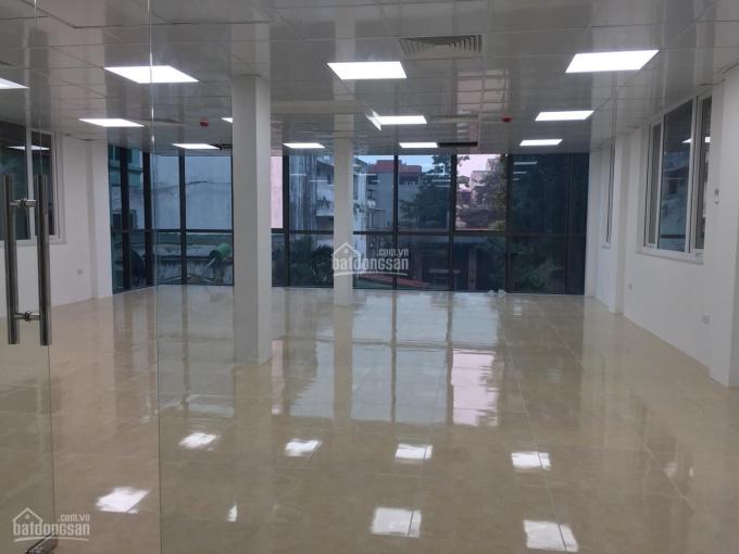 Tôi chủ nhà muốn cho thuê cửa hàng mặt phố Vũ Tông Phan, DT 100m2 thông sàn, 18tr/th. LH 0963506523