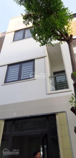 Nhà đẹp mới xây, còn dư 4 phòng cần cho thuê giá rẻ, 3 tr/tháng - 0397320200 (Chị Hà)