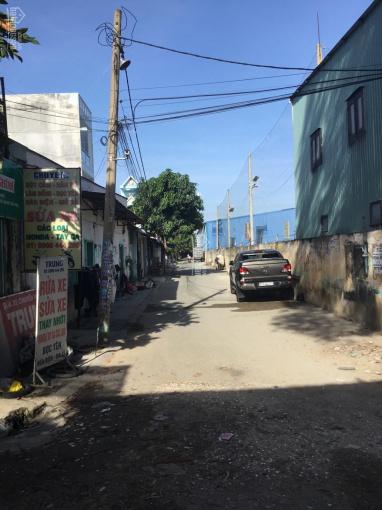 Bán nhà góc 2 mặt tiền hẻm xe hơi đường 339, phường Phước Long B, DT 4,2 x 20m, giá 5 tỷ 2