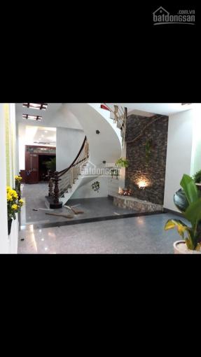 Cần bán gấp nhà mặt tiền Phạm Công Trứ, phường Thạnh Mỹ Lợi, quận 2 4,5x23m 2 lầu 8 tỷ 2