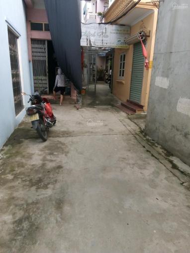 Chính chủ bán 40m2 đất tại Sài Đồng phố Vũ Xuân Thiều đường rộng 2,5m cách oto 15m. Giá 1,42 tỷ