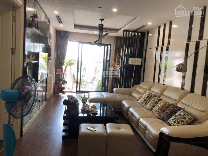 Cho thuê căn hộ cao cấp Vinhomes Gardenia Mỹ Đình, căn góc, 119m2 3 ngủ sáng, full đồ- view bể bơi