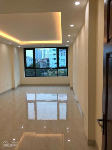 Cho thuê nhà trong ngõ phố Ngụy Như Kon Tum, 60m2 * 5 tầng, thang máy
