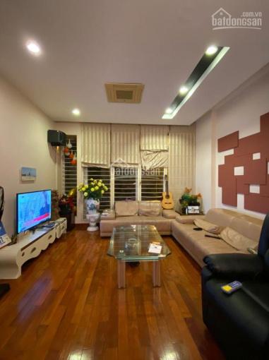 Bán nhà mặt phố 8 Vạn Phúc, Ba Đình, 50m2 x 5 tầng, mặt tiền 4.5m (Gần khách sạn La Thành)