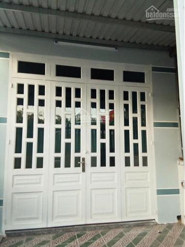 Bán căn nhà ngay trung tâm thị trấn Hóc Môn, nhà cấp 4, diện tích 4 x 10m