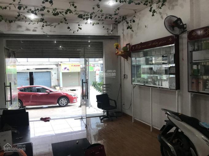 Gia đình định cư nên cần bán gấp căn nhà mặt tiền đường Lò Lu, DT 179m2