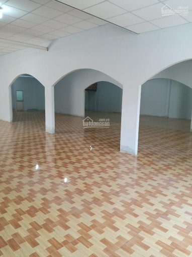 Cho thuê nhà 4 tấm mặt tiền khu đông đúc đường Kênh Tân Hóa, P. Phú Trung, Q. Tân Phú