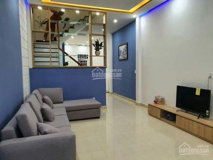 Định cư nơi khác bán nhà P2, mặt tiền Hùng Vương 4x20m, 1 trệt, 2 lầu, 3PN khu đông dân gần Vincom