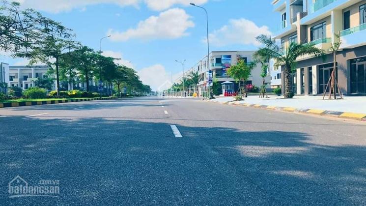 Bán nhà mặt phố Centa City 5.1 tỷ, mặt đường 56m, sổ hồng lâu dài