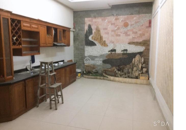 Cho thuê nhà 199 Hồ Tùng Mậu, 89m2 x 5 tầng trung tâm, XKLD hoặc VP, shop kinh doanh