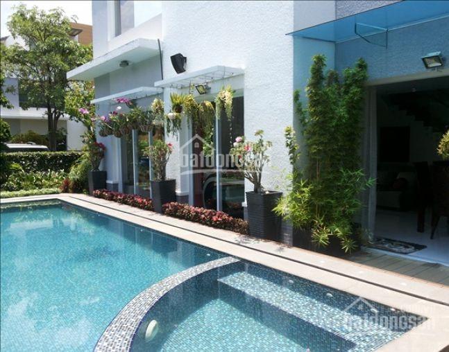 Cho thuê biệt thự Thảo Điền tuyệt đẹp gần sông Sài Gòn thơ mộng. Giá thuê: 129 triệu/th bao thuế