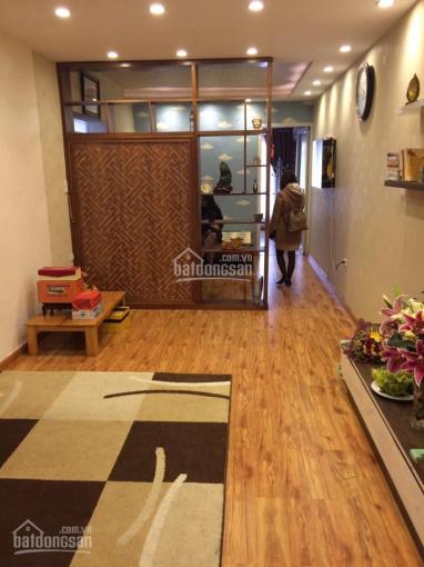 Cho thuê căn hộ tập thể Vĩnh Hồ 70m2 TK 2 ngủ + 1 khách giá 7tr/tháng