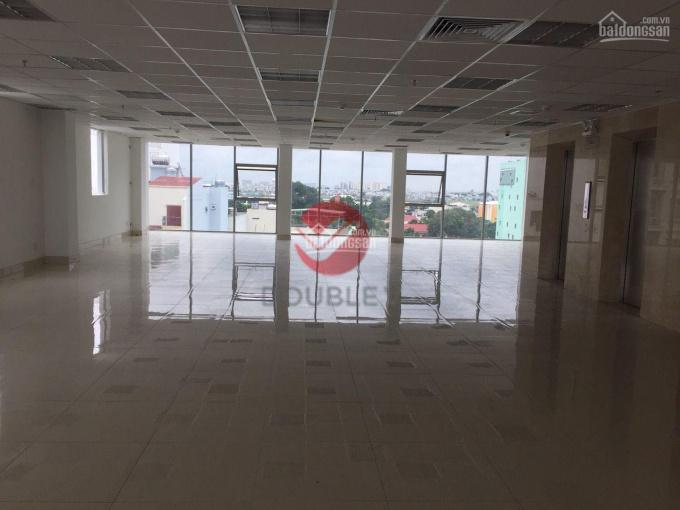 Văn phòng cho thuê giá rẻ gần sân bay, DT 200m2, giá 379 ngàn/m2, trần sàn hoàn thiện 0974040260