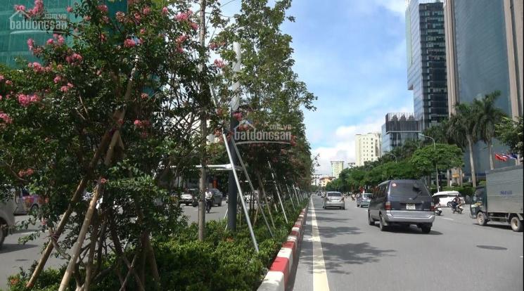 Vị trí vô cùng đắc địa, cần bán nhà mặt phố Ngô Gia Tự, Long Biên, 120tr/m2, DT: 52m2