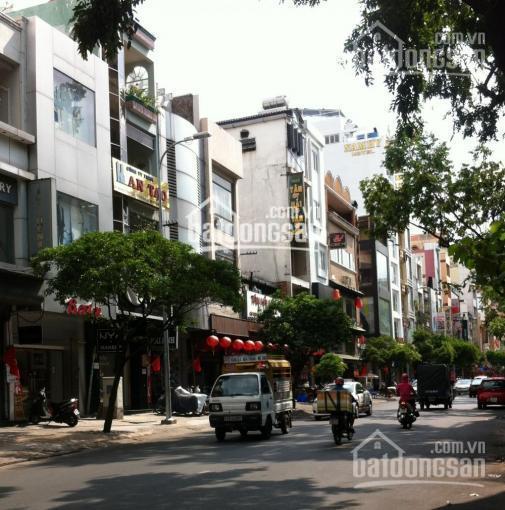 Bán nhà mặt tiền Nguyễn Thái Bình, vị trí đẹp kế bên chợ Bến Thành. 4x18 giá 30.8 tỷ