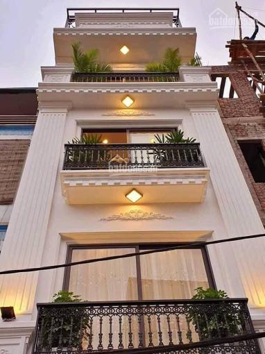 Hiếm hiếm. Nhà Đội Cấn, kinh doanh, homestay - 7 tầng thang máy, 40m2, giá: 6.1 tỷ