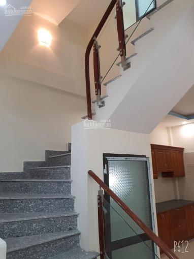 Bán nhà 3 tầng ô tô đỗ cửa nhà tại đường Đoàn Kết, Hải An, Hải Phòng
