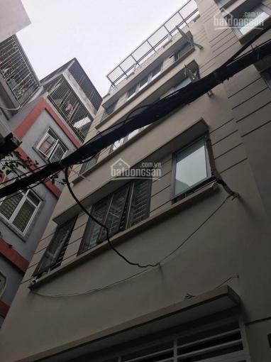 Bán nhà Lạc Long Quân, DT 32m2, 6 tầng, MT 3,2m, 2,9 tỷ, nhà đẹp, cách ô tô 40m