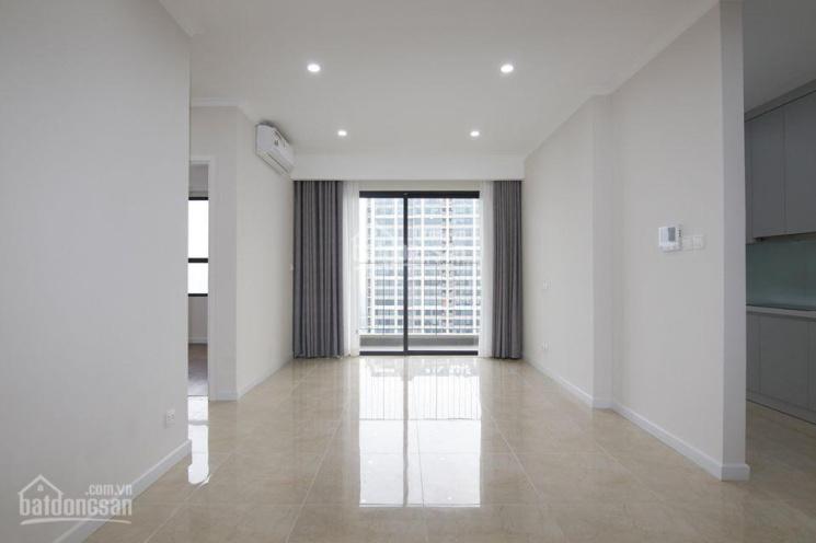 Đang trống căn góc 1202 chung cư Sun Grand City Lương Yên 125m2, 3PN, view trực diện Sông Hồng