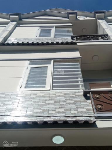 Nhà mới xây, đẹp tuyệt vời, giá chỉ 1,530 tỷ, 2 lầu, 3 PN, 3 toilet