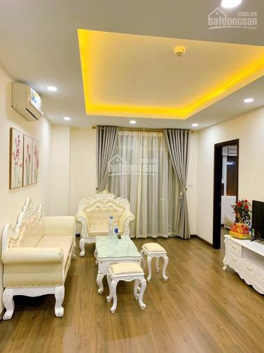 Cho thuê căn hộ chung cư CT8 Emerald Đình Thôn, giá vô cùng hợp lí
