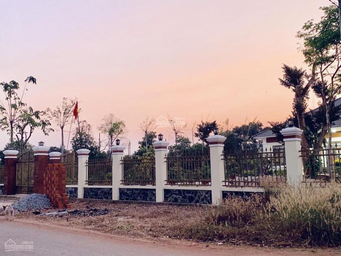 Chính chủ bán ngợp lô đất mặt tiền đường Ngô Đức Kế thị trấn Chơn Thành, giá rẻ TT 290 triệu