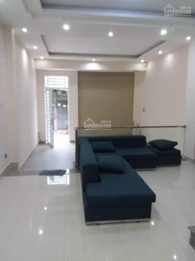 Cho thuê nhà riêng P. Thảo Điền, đường Đỗ Quang: 5x14m, 3 lầu, giá 28 tr/th, Tín 0983960579