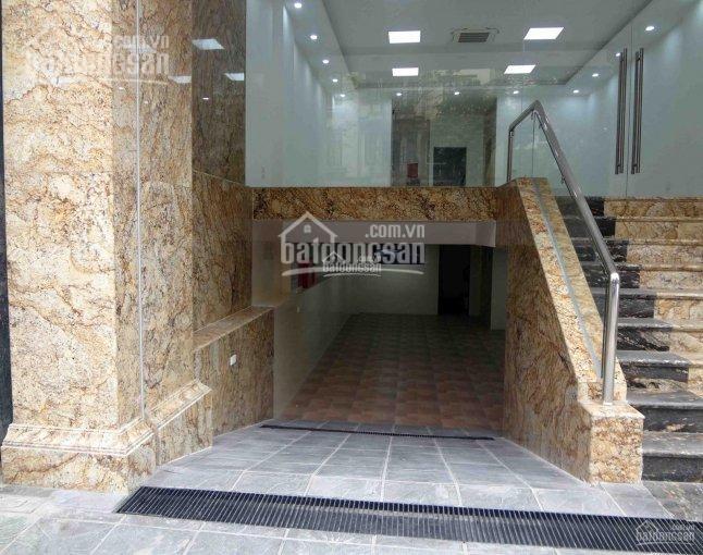 Chính chủ muốn cho thuê nhà 5 tầng mặt phố khu vực Trung Hòa, Yên Hòa. Diện tích: 100m2