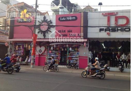 Cho thuê shop thời trang mặt tiền đường Trường Chinh, có sẵn máy lạnh, sàn gỗ