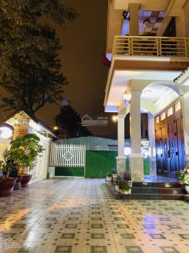 Bán biệt thự mặt tiền Hồ Xuân Hương tp đà lạt đang có 18 phòng cho thuê hotel