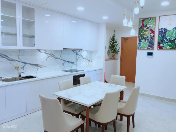 Bán rẻ căn hộ 2 PN tầng trung, view thoáng, full nội thất, đã có sổ hồng. Chỉ 4.9 tỷ.LH:0901185618