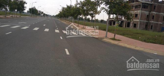 Bán đất tại KDC Phú Lợi ngay MT đường Ba Tơ Q. 8 Giá 2.7tỷ/100m2 SHR, đất TC 100% LH: 0798365187