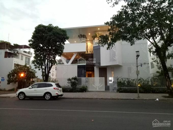 Cần cho thuê gấp biệt thự Pmh,q7 Nhà đẹp, giá rẻ nhất thị trường.LH: 0917300798 (Ms.Hằng)