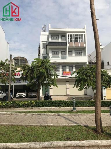 Cho thuê nhà 4 lầu 10x20m MT đường Phạm Huy Thông, P. 6, Gò Vấp