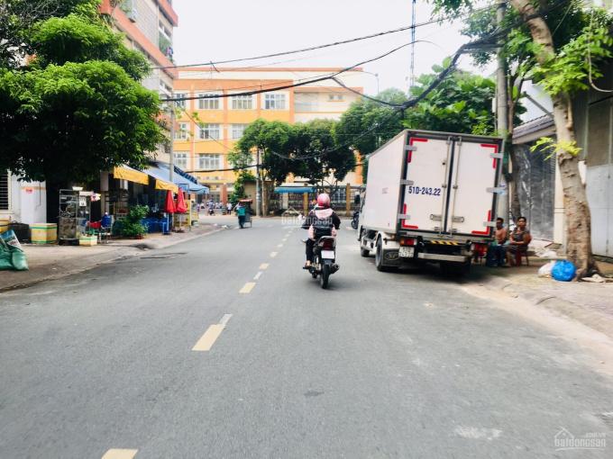 MTKD đường Võ Công Tồn, P Tân Quý, ngay chợ Tân Hương, DT 5x26m nhà 2,5tấm, giá 12 tỷ. Đường 20m