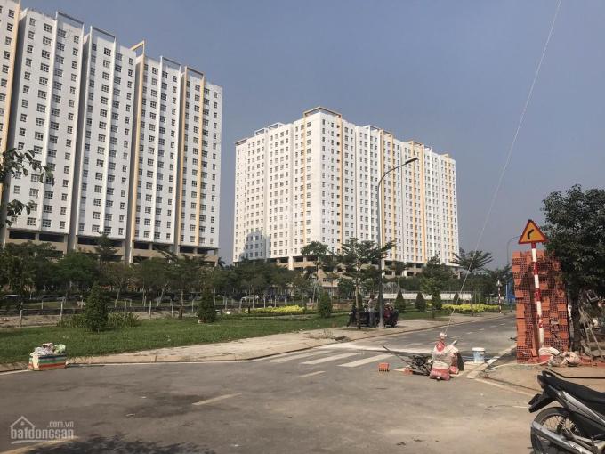 Bán nhà MT đường Quốc lộ 13, p Hiệp Bình Phước, Thủ Đức DT: 6,5 x45m CN 235m2 giá 17,5 tỷ TL