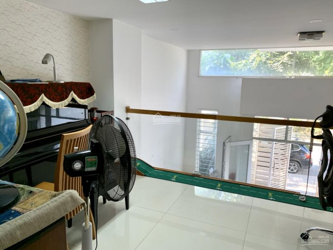 Bán nhà phố Phú Mỹ đường 16m, 6x21m, 3 lầu, giá 13.5 tỷ thương lượng. LH 0908743068